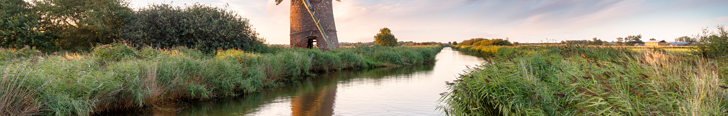 Places to Visit // A windmill on the banks of the Broads
