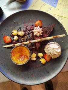 Restaurant Gallery // Stay at the Plough Inn in Marsham